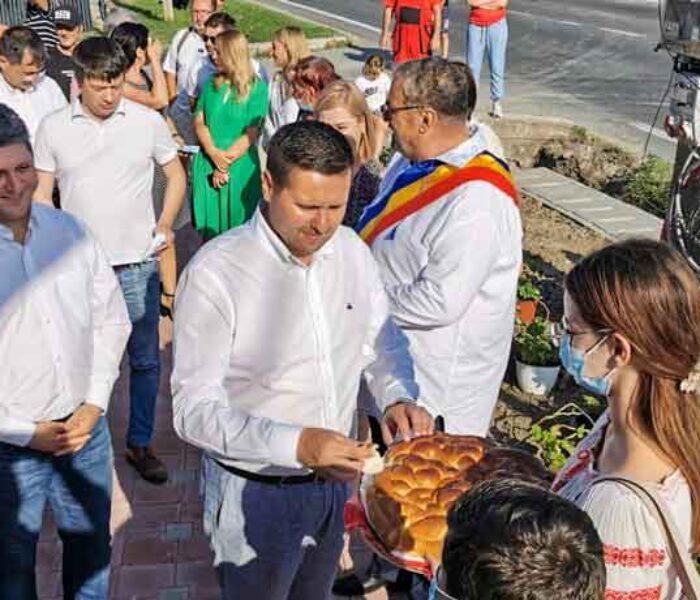 """Corneliu Ştefan, PSD: Au început Zilele comunei Gura Ocniţei, """"La mulţi ani!"""" locuitorilor"""