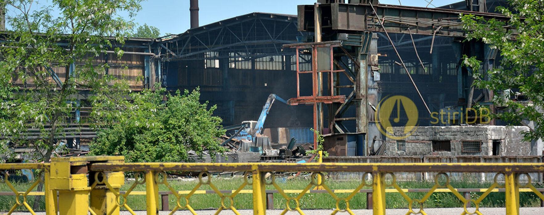 Se demolează secţii ale Combinatului de Oţeluri Speciale Târgovişte (foto)
