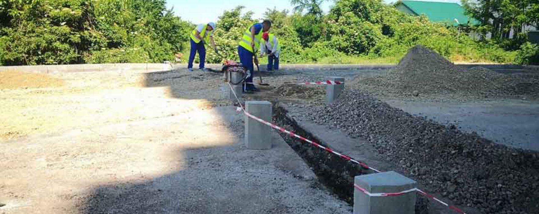 Târgovişte: Restricţii de circulaţie pe strada Gimnaziului, se fac lucrări de canalizare