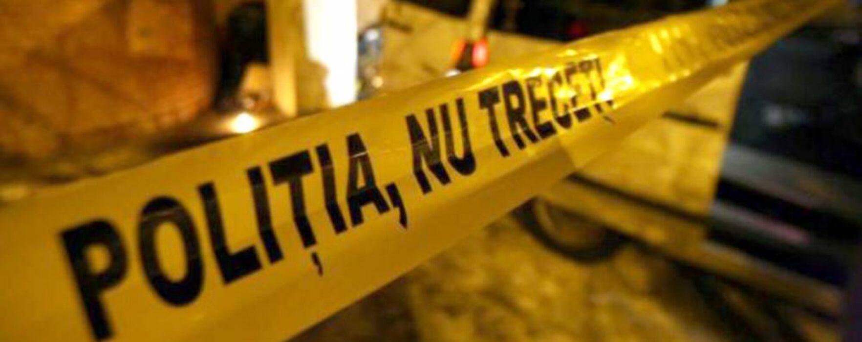 Târgovişte: Om al străzii găsit spânzurat în curtea unei biserici