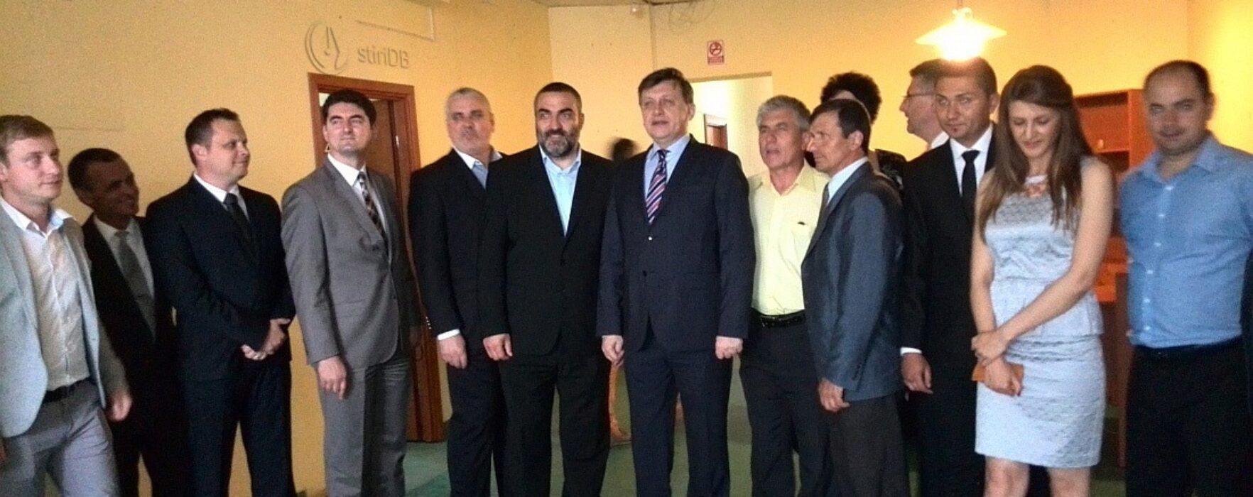 Crin Antonescu, la Târgovişte cu o zi înaintea alegerilor europarlamentare