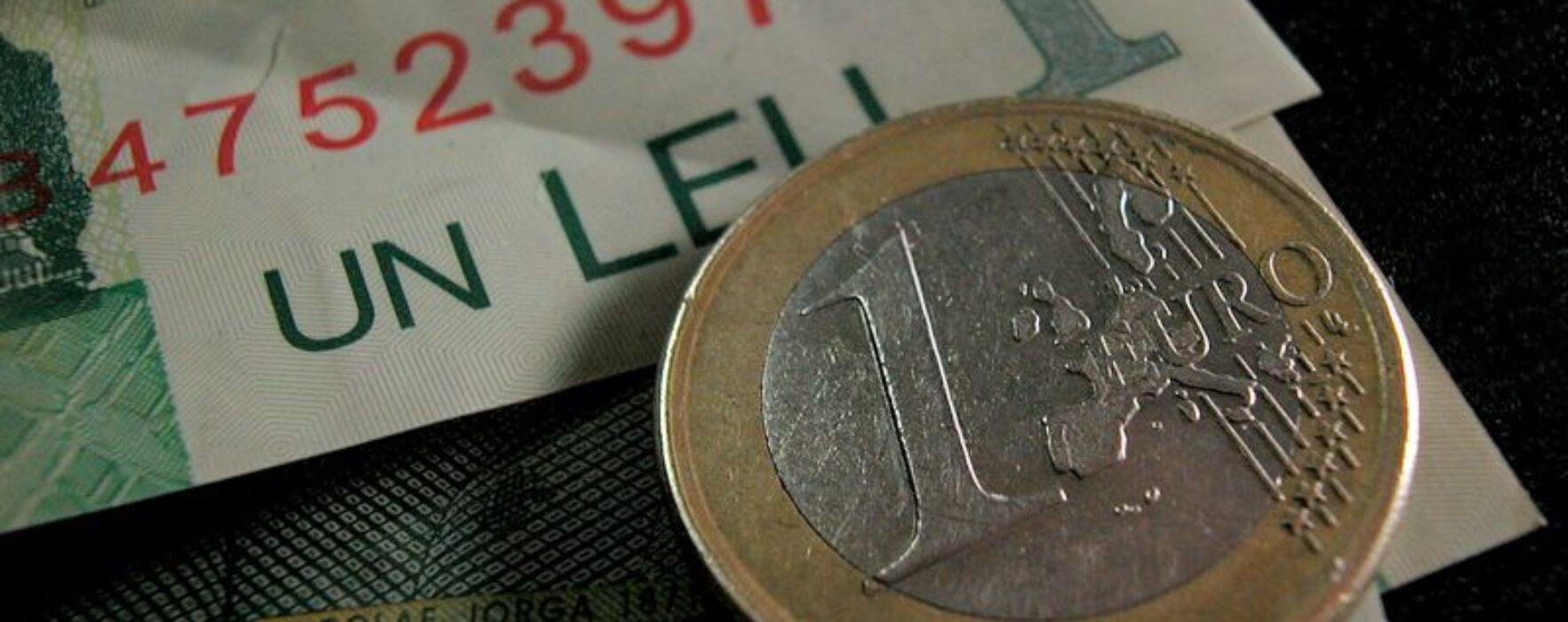 Moneda națională s-a depreciat, luni, față de euro, până la 4,49 lei/euro