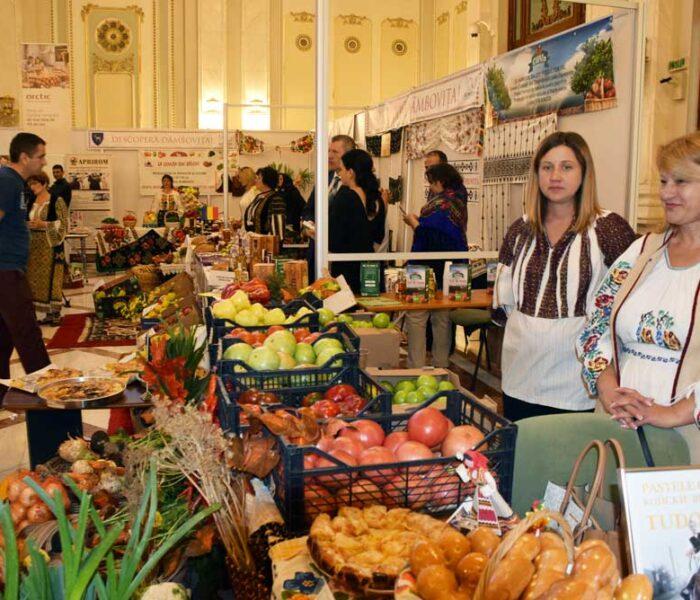 Descoperă Dâmbovița – stand de promovare a județului în Parlamentul României