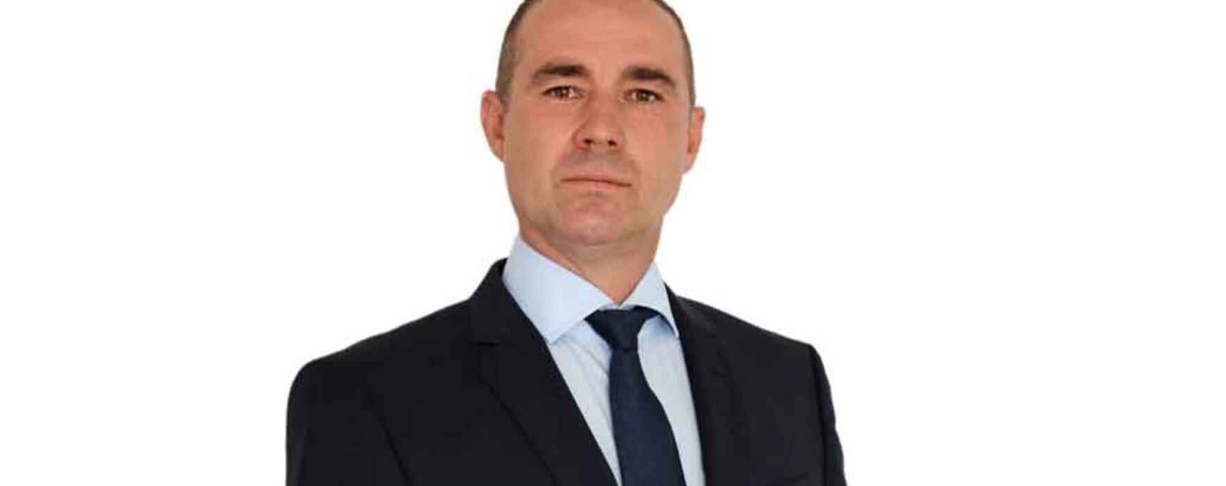 Dâmboviţa: Primarul din Dobra susţine că a fost bătut de persoane care aruncă deşeuri pe spaţiul public