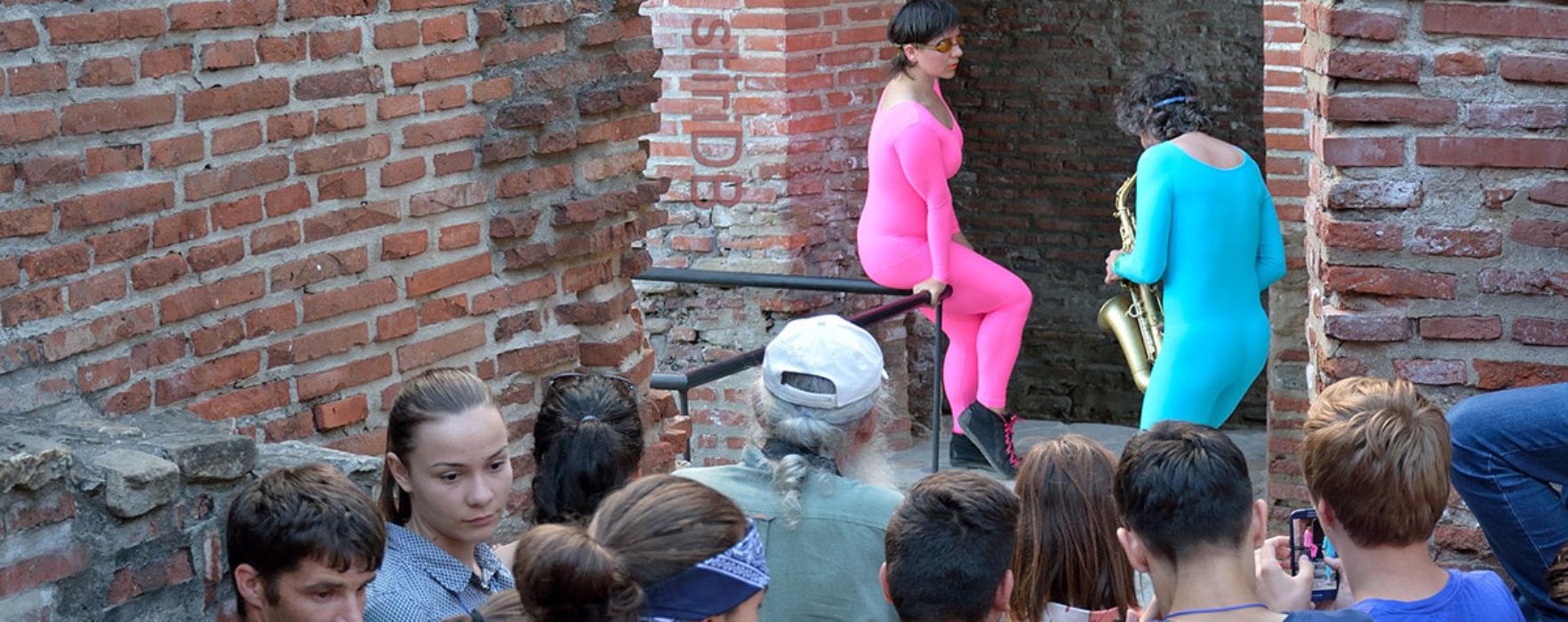 Spectacol de dans contemporan pe ruinele Curţii Domneşti Târgovişte (video)