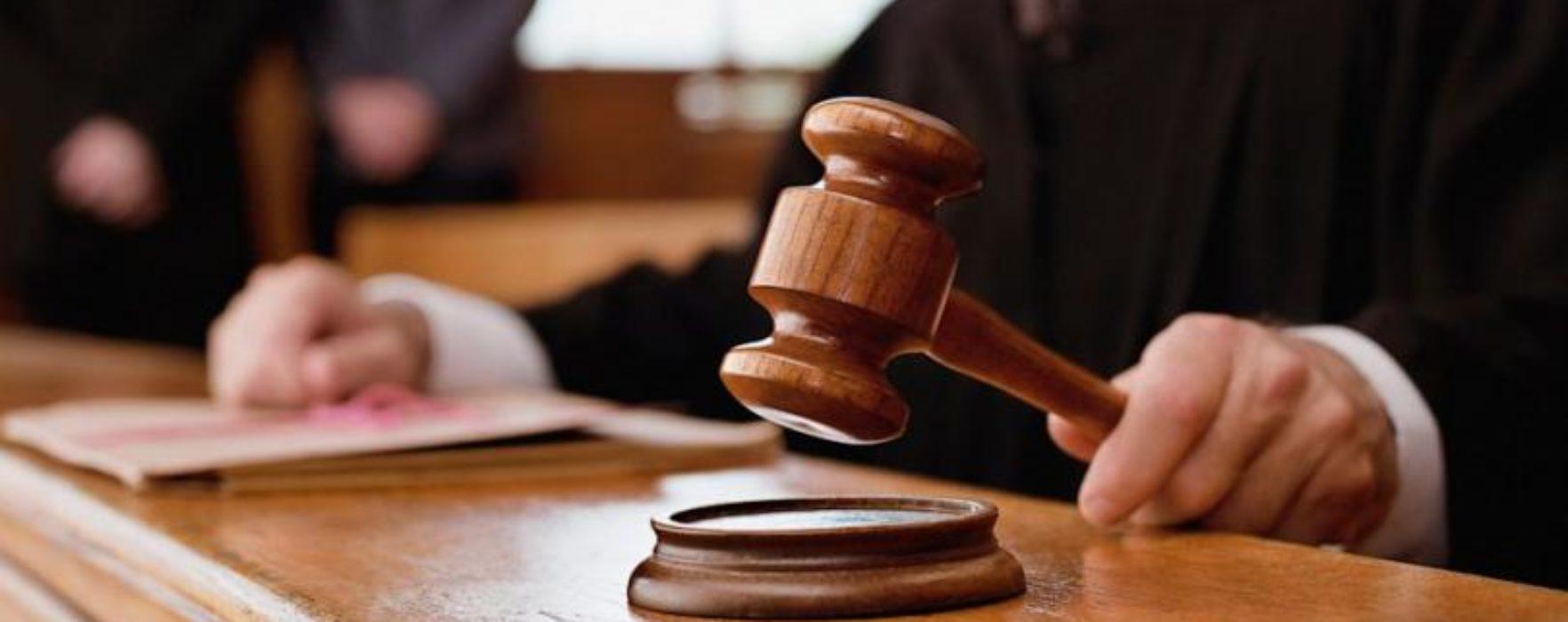 Dâmboviţa: Nouă inculpaţi, între care doi agenţi de poliţie, condamnaţi definitiv pentru luare de mită
