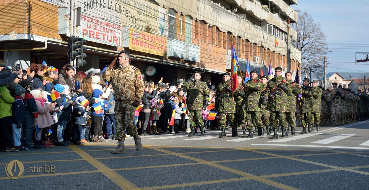 defilare-1dec-2016-soldati