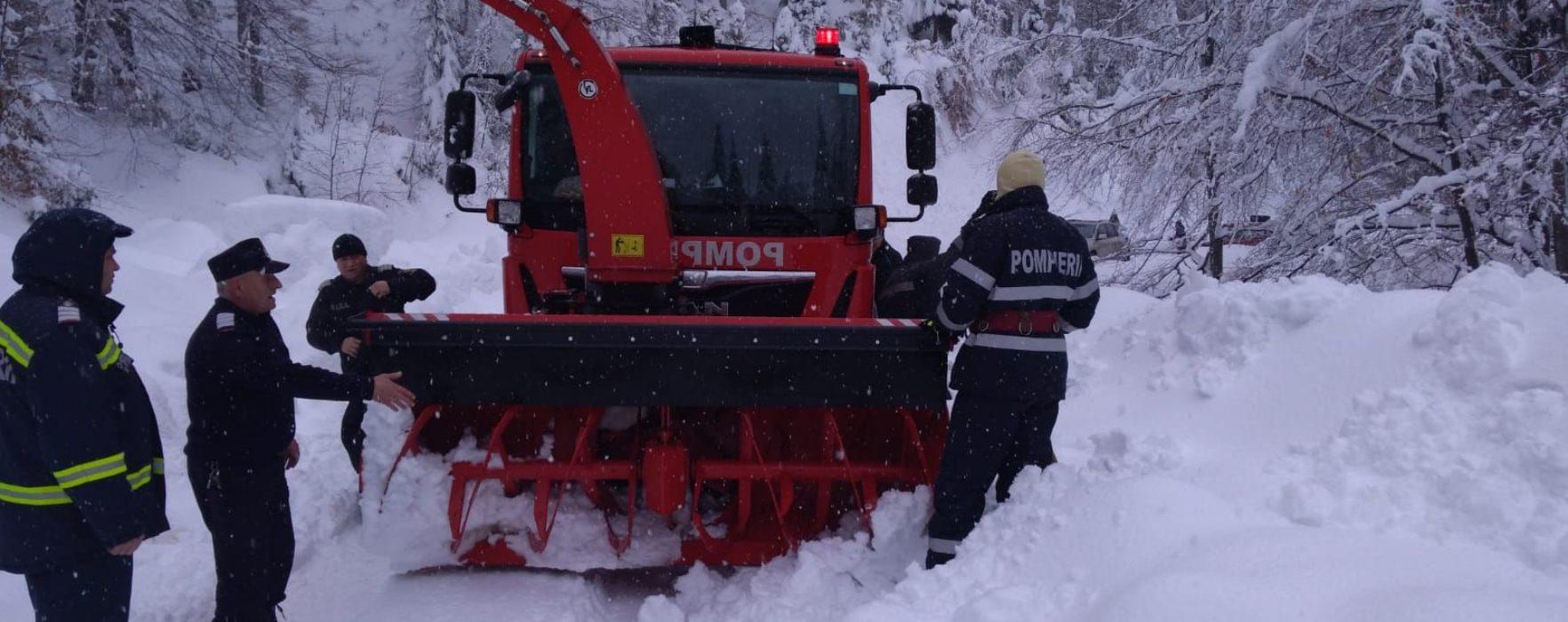 Dâmboviţa: DJ 714 – drumul de acces către Peştera a fost deszăpezit