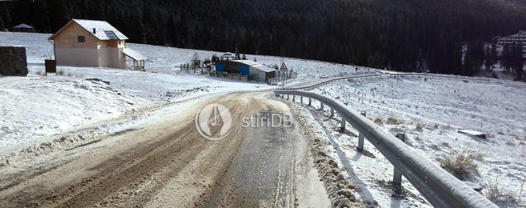 Dâmboviţa: Au fost reluate acţiunile de deszăpezire pe DJ 714, drumul de acces spre Padina-Peştera