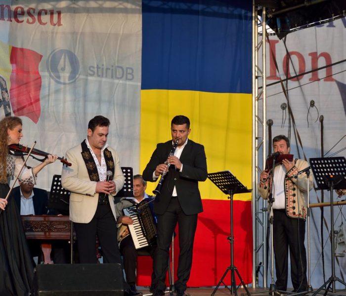 """Noutatea Festivalului """"Ion Dolănescu"""" din acest an, concert în localitatea natală a artistului, la Perşinari"""