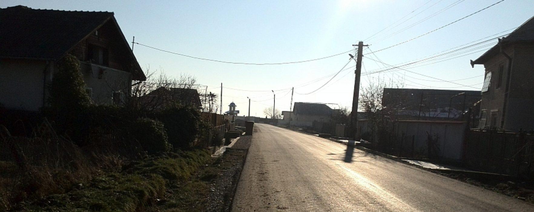Drumuri locale din Dragomireşti, asfaltate printr-un parteneriat consilul local-consiliul judeţean