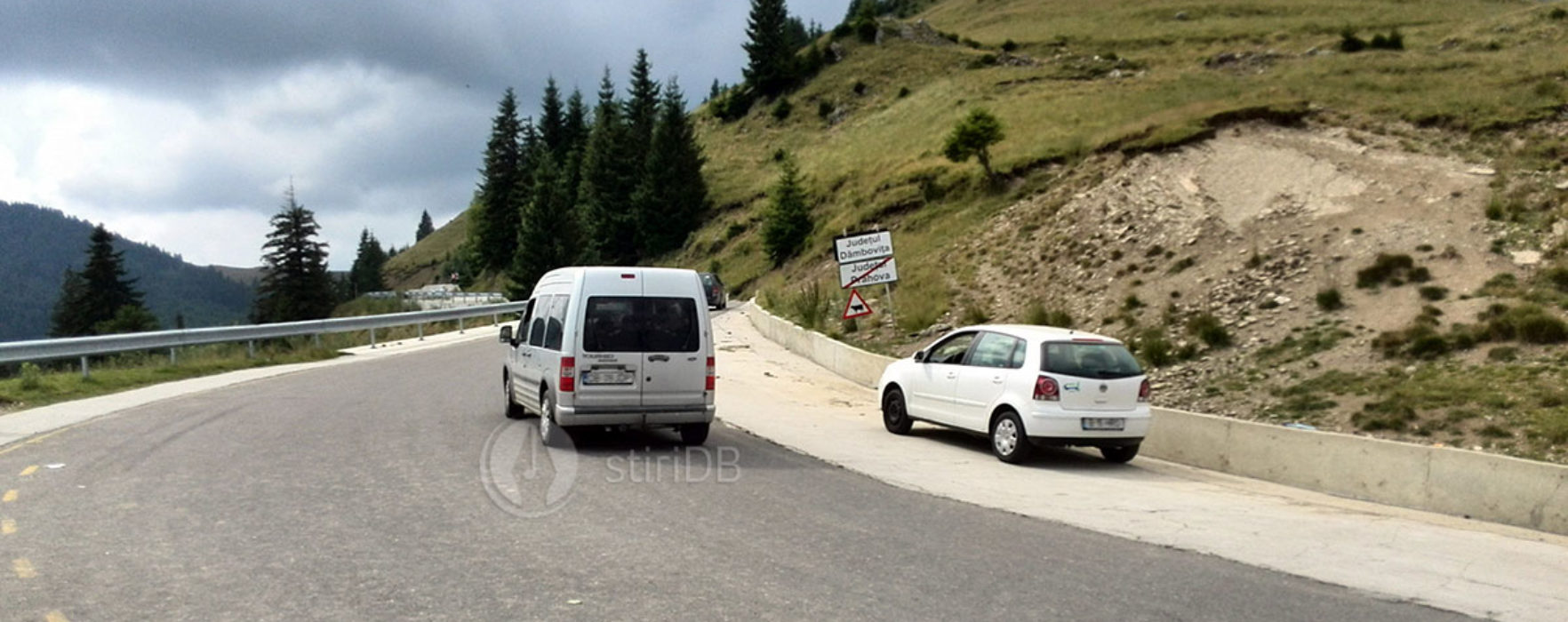 """Dâmboviţa: La Festivalul """"Padina Folk"""" se poate ajunge şi pe drumul din DN71 spre platoul Bucegilor"""