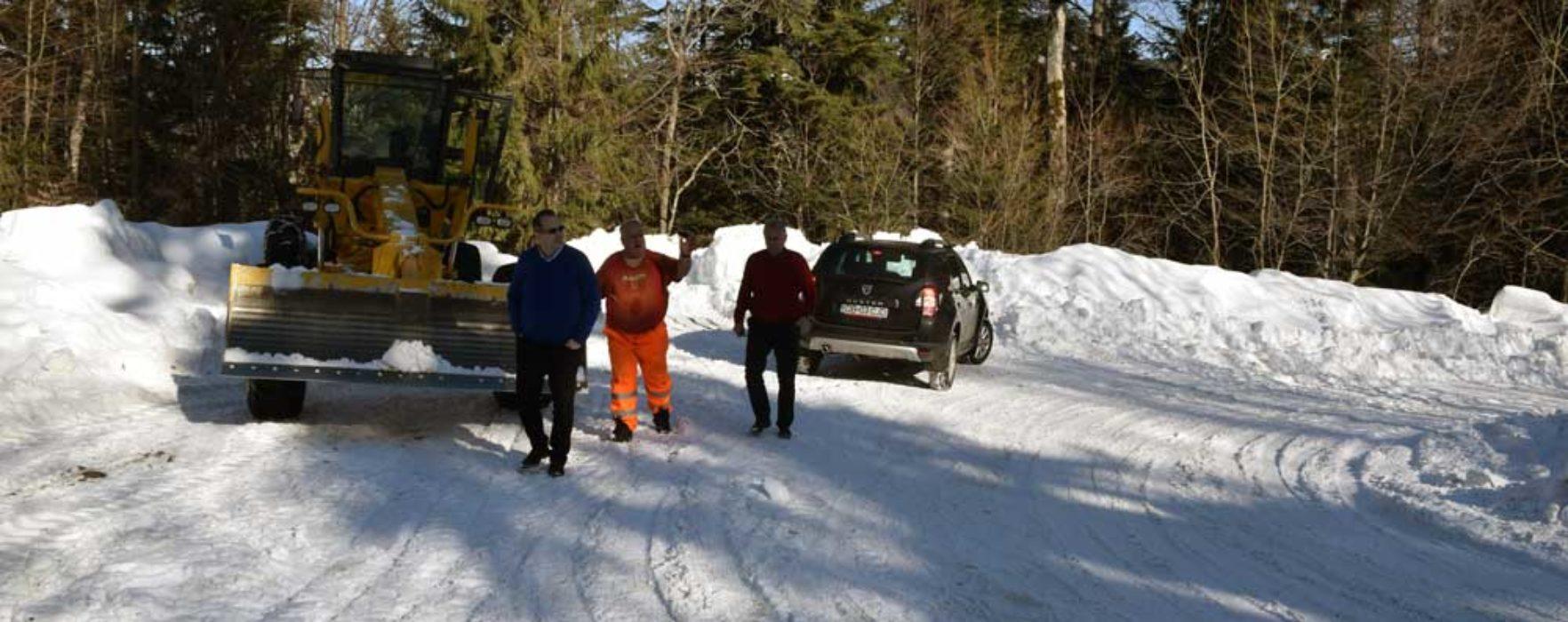 Dâmboviţa: Drumul de acces din DN71 spre platoul Bucegilor a fost redeschis