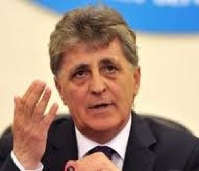 Ministrul Apărării, Mircea Duşa, va veni marţi în Dâmboviţa