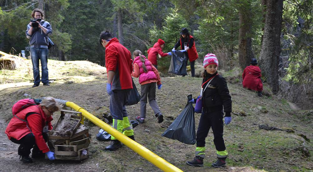 ecologizare-munte-voluntari