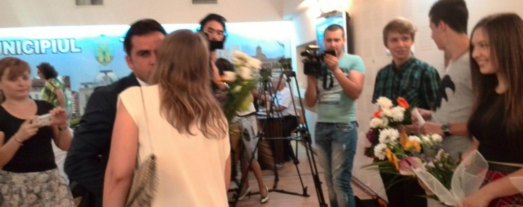 Elevii târgovişteni care au obţinut 10 la evaluarea naţională şi bacalaureat, premiaţi de consiliul local
