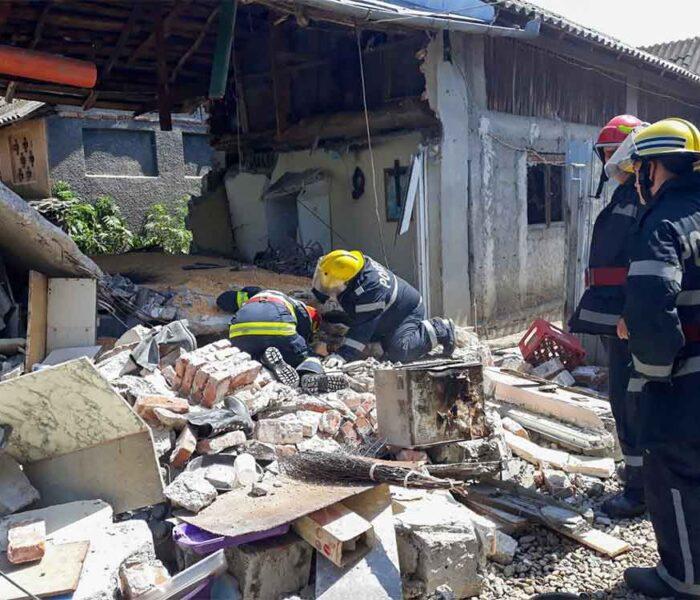 Dâmboviţa: Explozie a unei butelii în Mătăsaru, o cameră s-a dărâmat