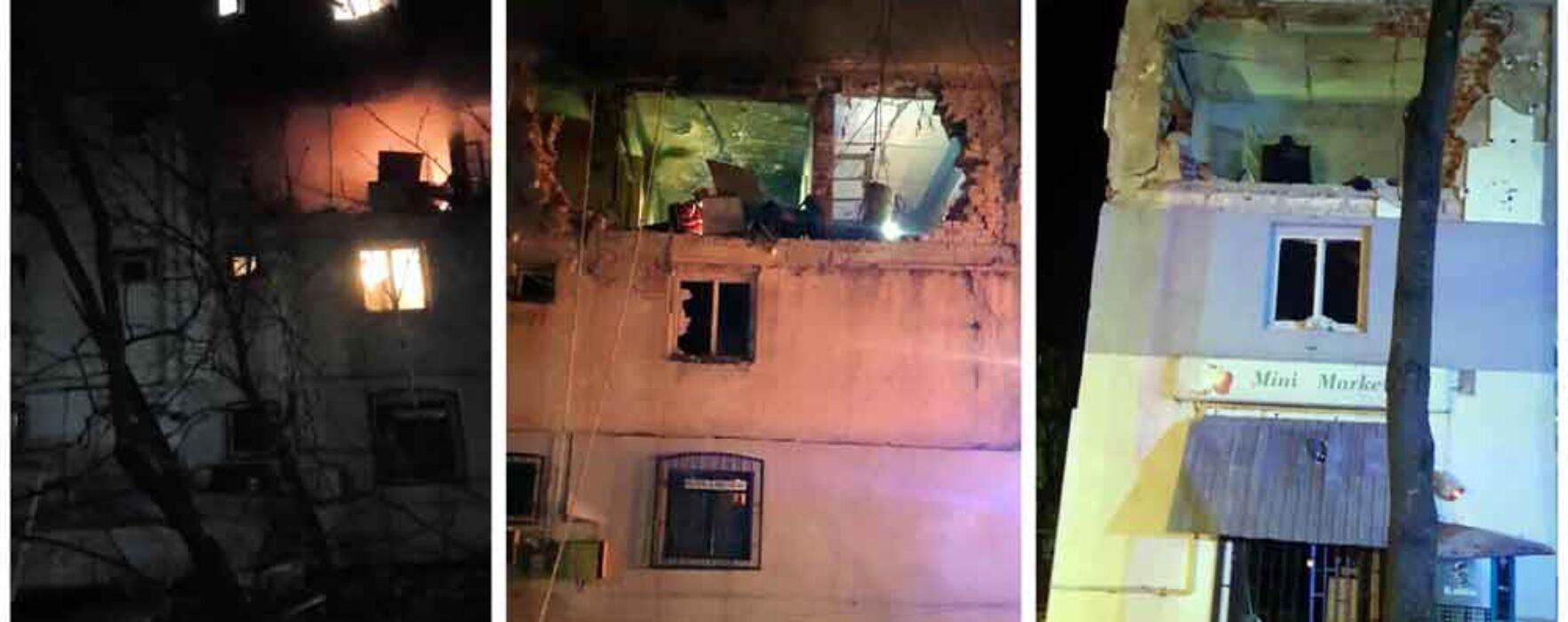 Dâmboviţa: Explozie urmată de incendiu la un apartament din Găeşti, o persoană rănită şi locatarii evacuaţi preventiv