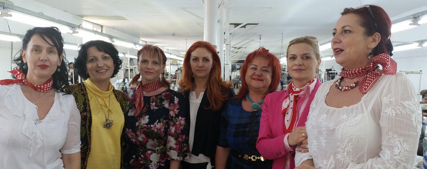 Organizaţia de femei a PSD Dâmboviţa, de 8 martie alături de angajatele unei fabrici din Petreşti