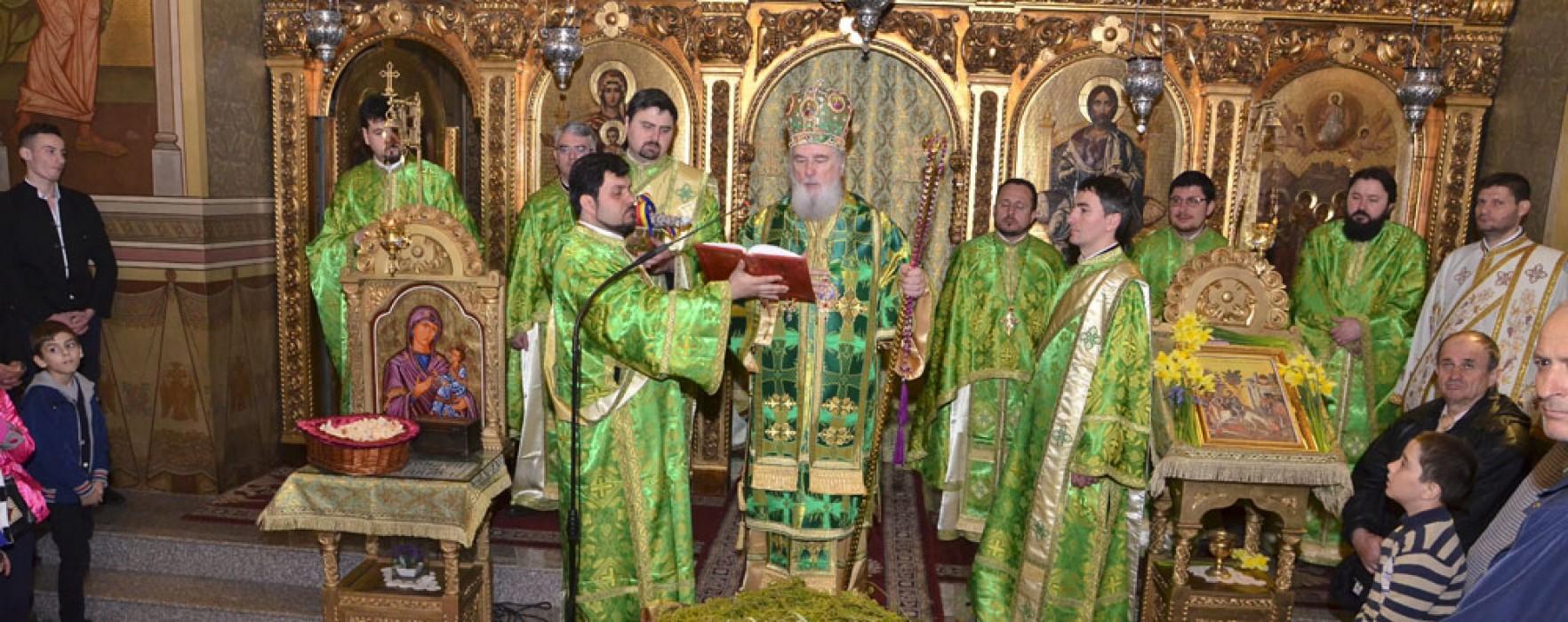 Duminica Floriilor, la Catedrala din Târgovişte