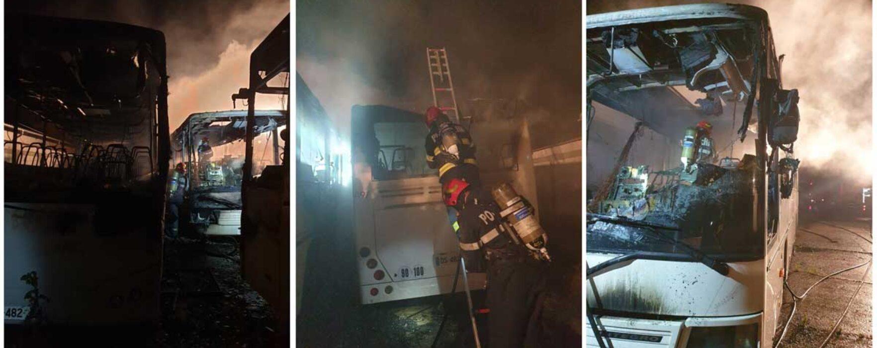 Trei autobuze, incendiate în noaptea de marţi spre miercuri, în Târgovişte