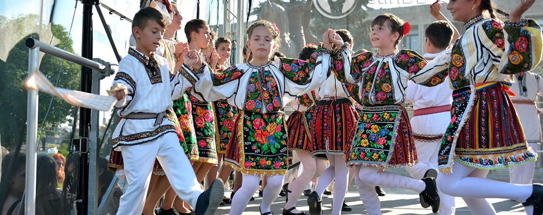 Târgovişte: Ateliere de joacă, spectacole şi întreceri sportive de Ziua Copilului