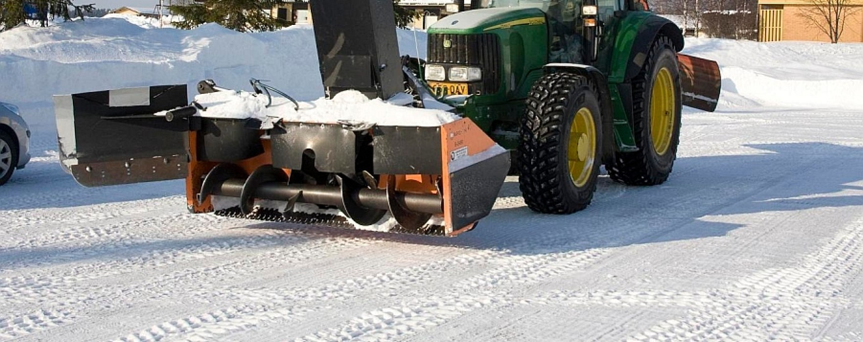 Freză de deszăpezire performantă construită de militarii din Garnizoana Târgovişte