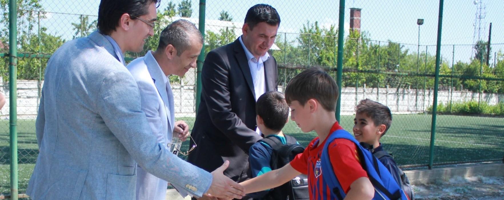 Președintele FRF,  Răzvan Burleanu, în vizită la Titu