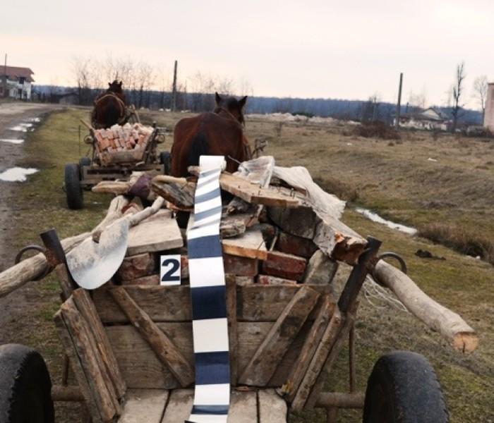 Prinşi la furat de cărămidă de la fosta unitate militară de la Ghirdoveni