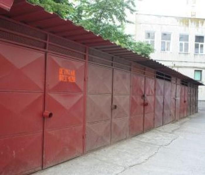 Garajele din Aleea Trandafirilor, Târgovişte, vor fi demolate
