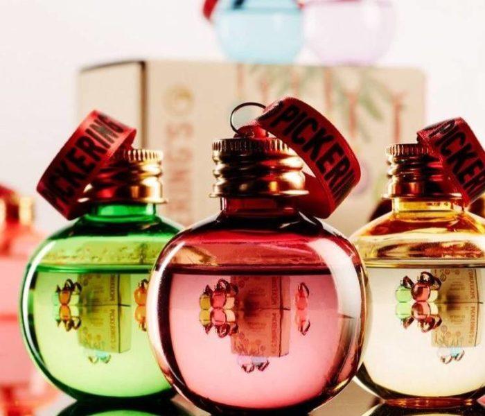 Globuri umplute cu alcool, noul trend în materie de decoraţiuni de Crăciun!