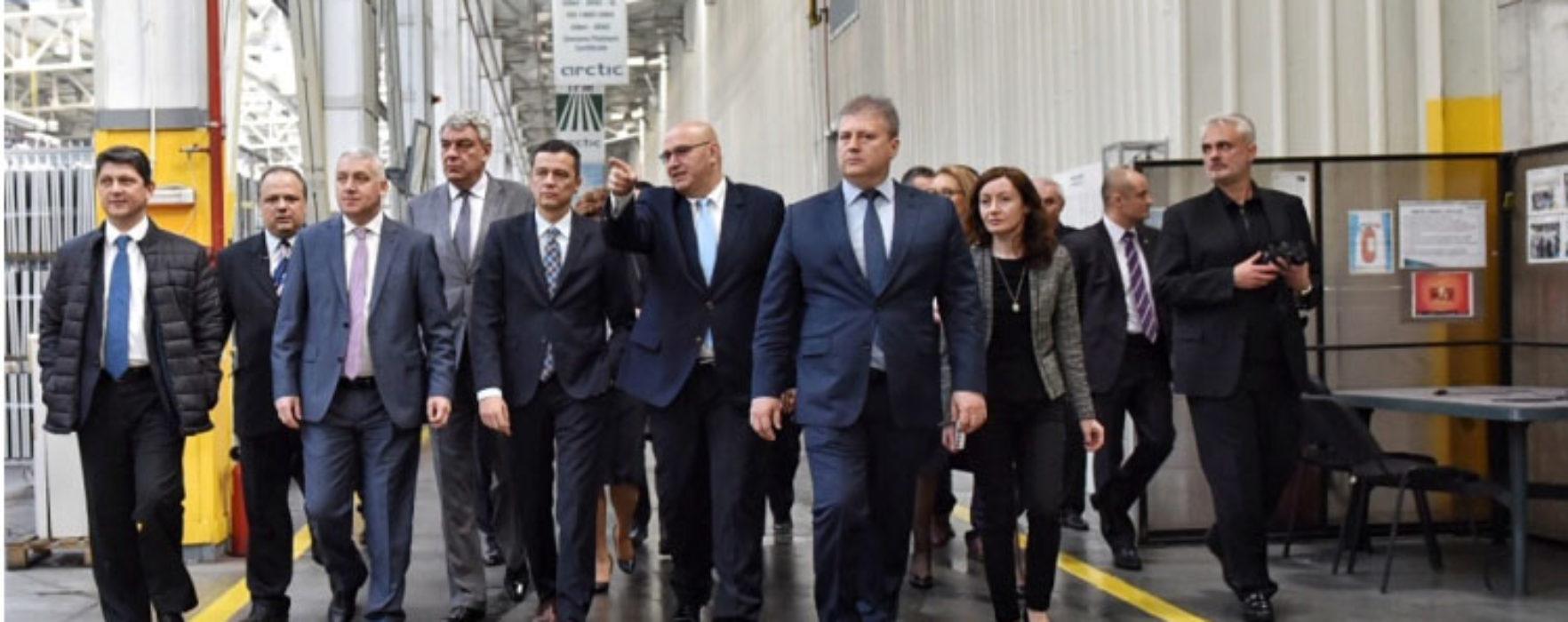 Dâmboviţa: Premierul Sorin Grindeanu a vizitat fabrica Arctic din Găeşti (video)