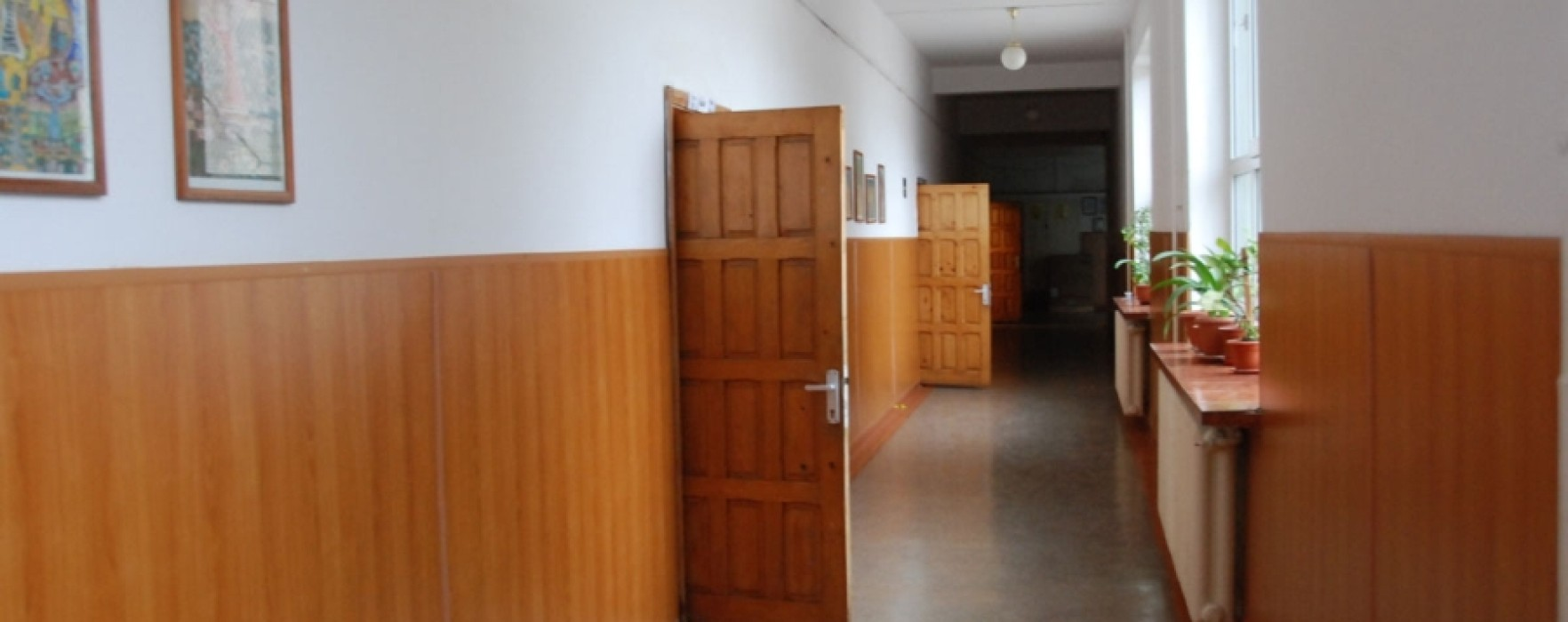Şcolile din Dâmboviţa, închise miercuri