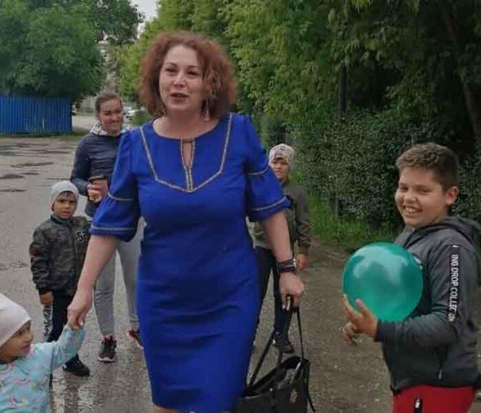Deputata Carmen Holban, surprize şi cadouri pentru mai mulţi copii din Răcari