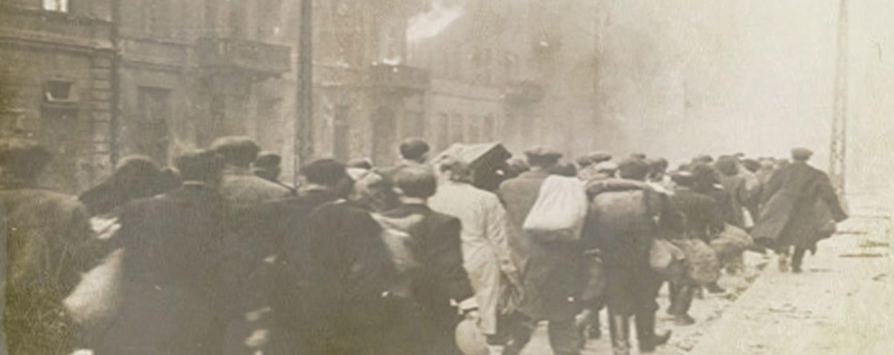 Manifestare la sediul Bibliotecii Judeţene Dâmboviţa de Ziua Naţională de Comemorare a Holocaustului