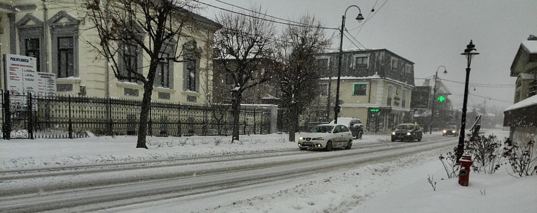 Un drum judeţean mai este închis în Dâmboviţa, alte trei blocate