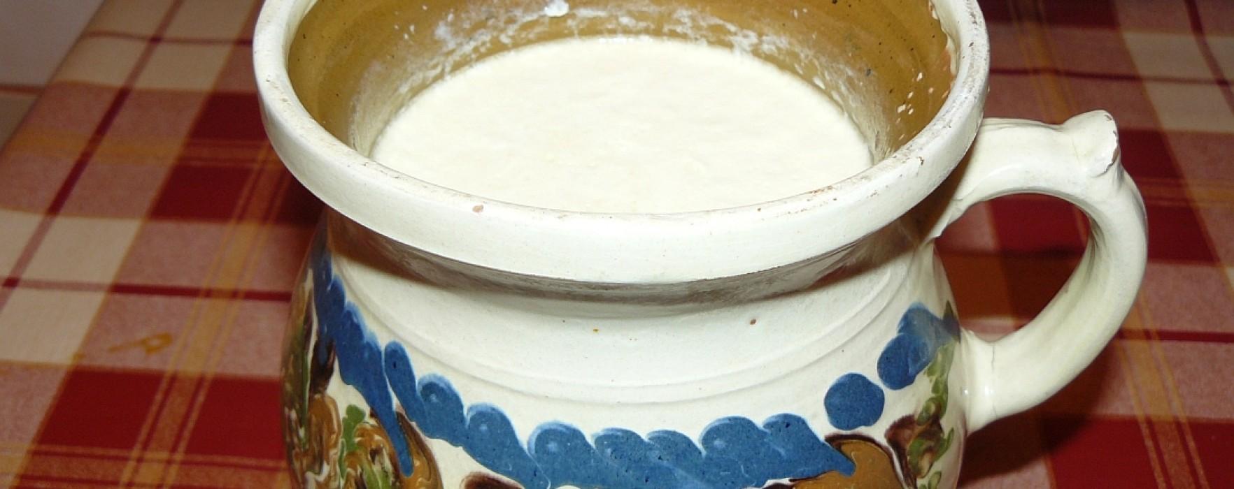 Cum preparăm iaurtul în casă, fără E-uri si conservanți