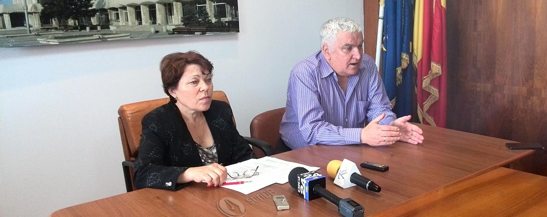 Prefectul Victor Sanda respinge acuzaţiile PDL că ar face campanie electorală (video)