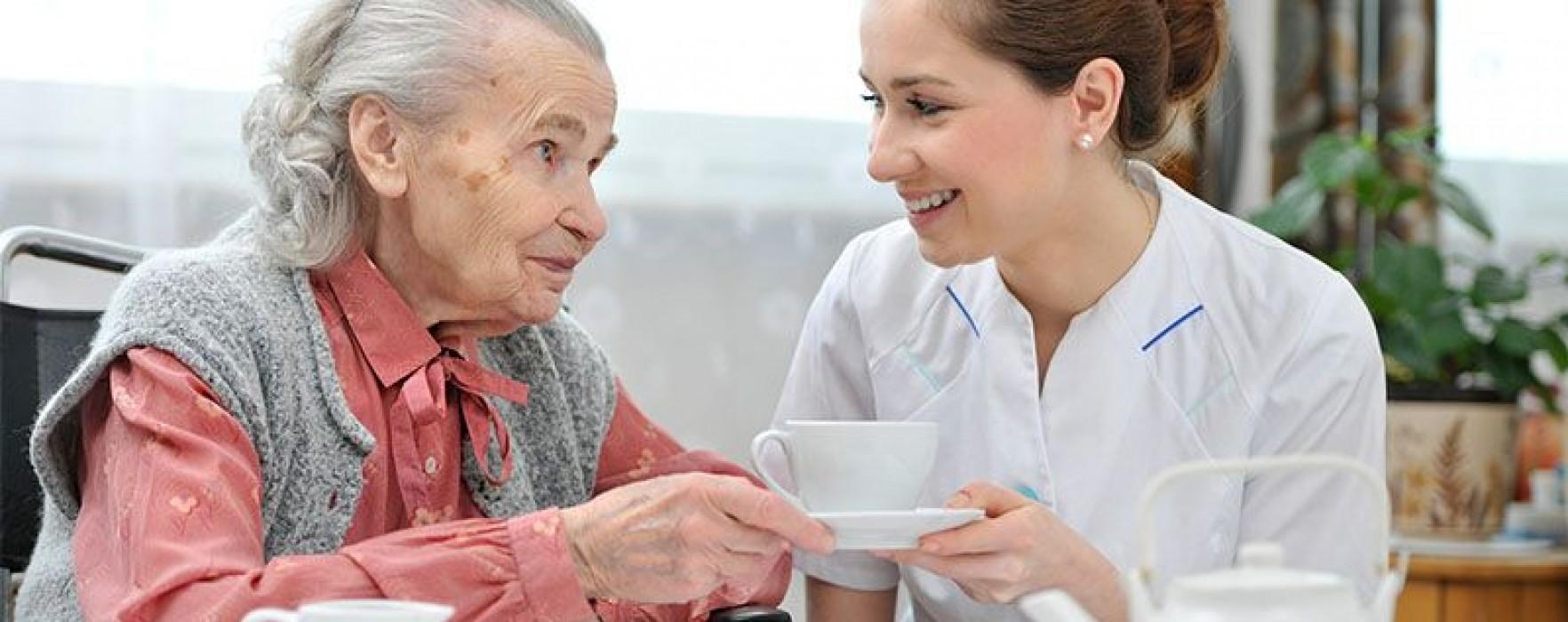 Se caută îngrijitori persoane în Marea Britanie, salariu 7 lire pe oră