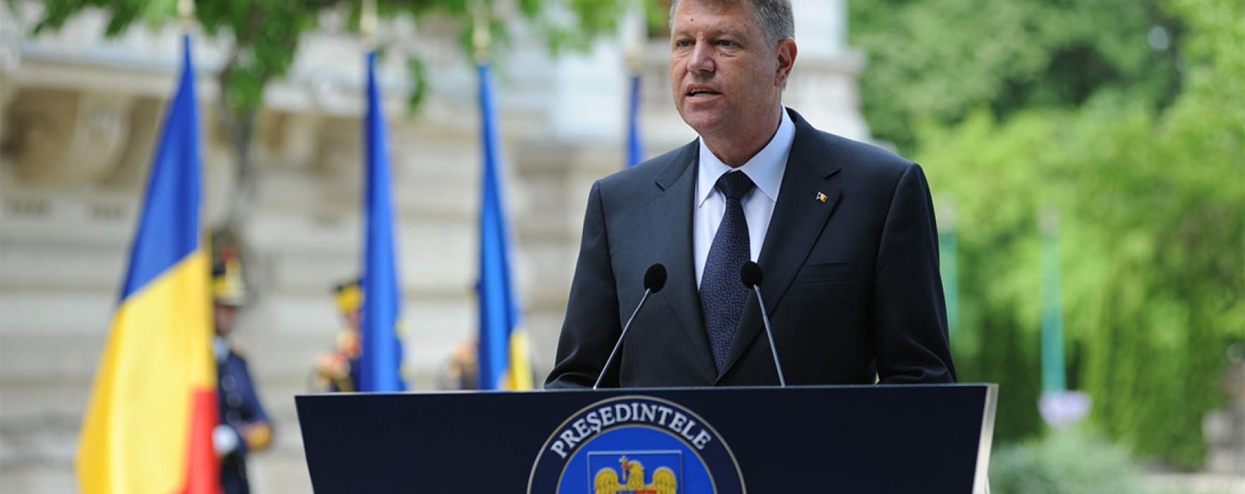 PNL Dâmboviţa: Aproape 80.000 de semnături strânse în judeţ pentru Klaus Iohannis