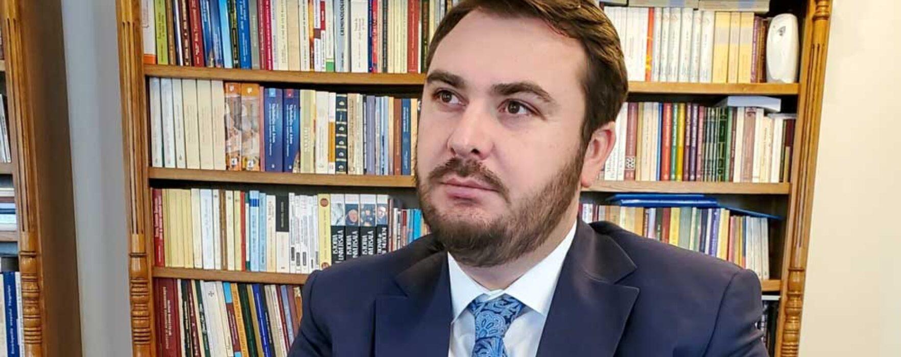 """Vicar eparhial Ionuţ Ghibanu: """"El a construit sau refăcut și mănăstirile? Nu! De ce se laudă cu proiecte care nu-i aparțin?"""""""