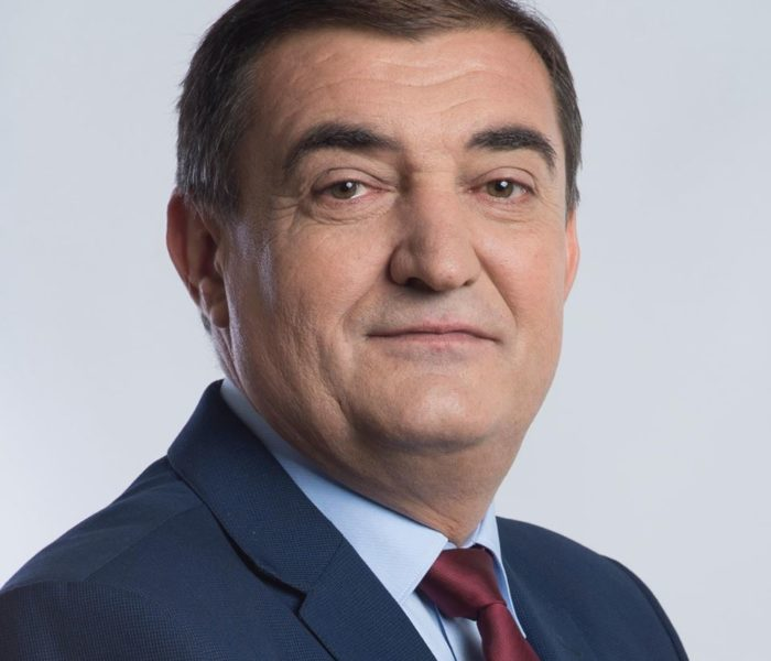 Electoral: Deputatul Iulian Vladu propune acordarea unui ajutor de şomaj persoanelor cu peste 35 de ani vechime, care nu îşi mai găsesc un loc de muncă