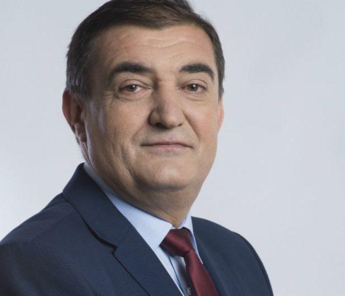 Electoral: Iulian Vladu (PNL) susţine reducerea vârstei de pensionare pentru cei care locuiesc în zonele cu poluare remanentă