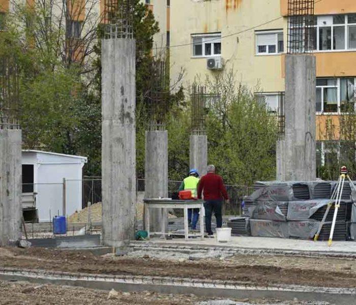 Primarul Târgoviştei: La Colegiul Carabella se construieşte cea mai modernă bază sportivă şcolară
