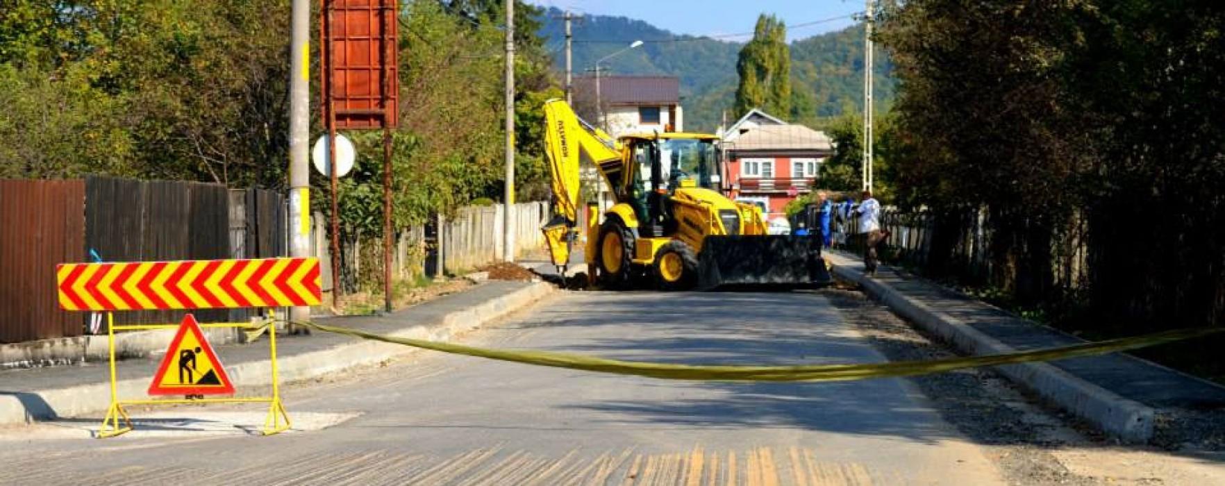 Lucrări de asfaltare la Pucioasa