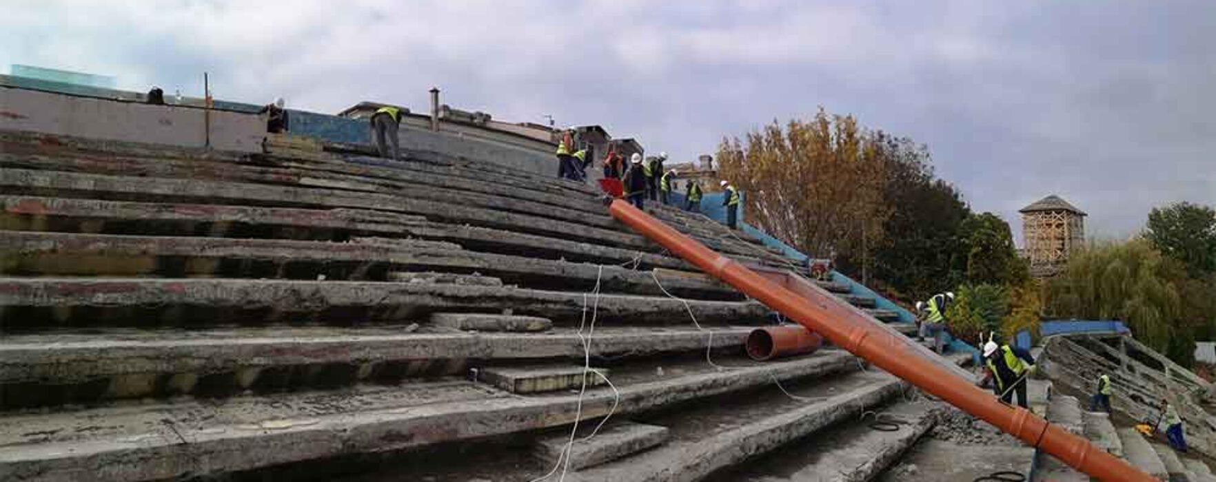 """Primarul Târgoviştei, despre stadiul lucrărilor la stadionul """"Eugen Popescu"""""""