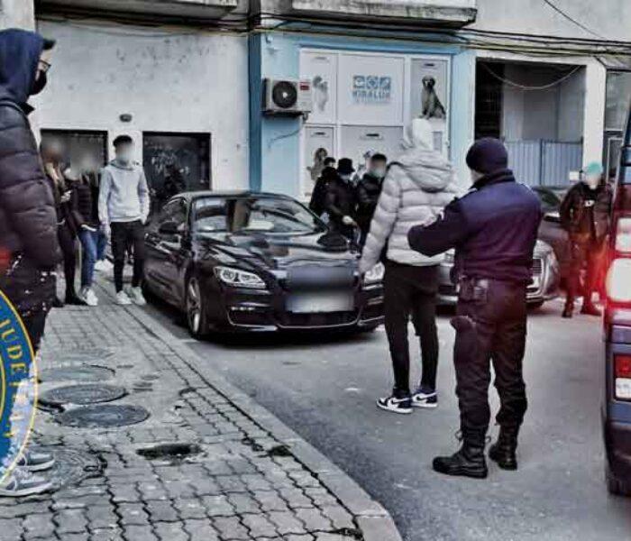 Târgovişte: Majorat în aer liber oprit de jandarmii dâmboviţeni