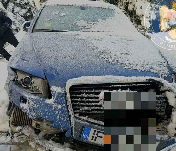 Dâmboviţa: Maşină găsită de jandarmi într-o râpă în zona Dichiu
