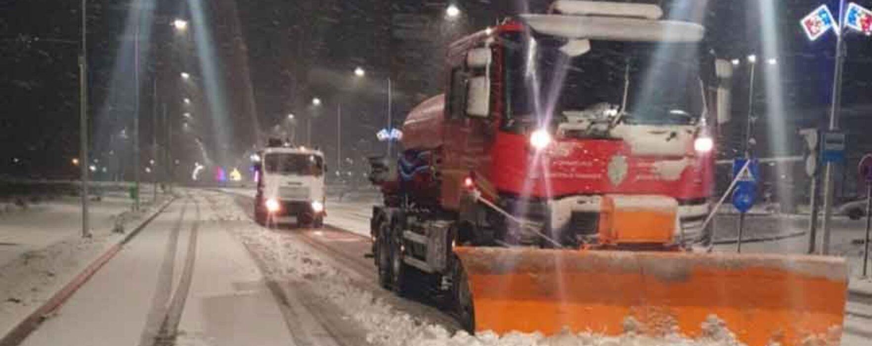 Primar Târgovişte: Utilajele scoase pe străzi la deszăpezire, nu sunt probleme