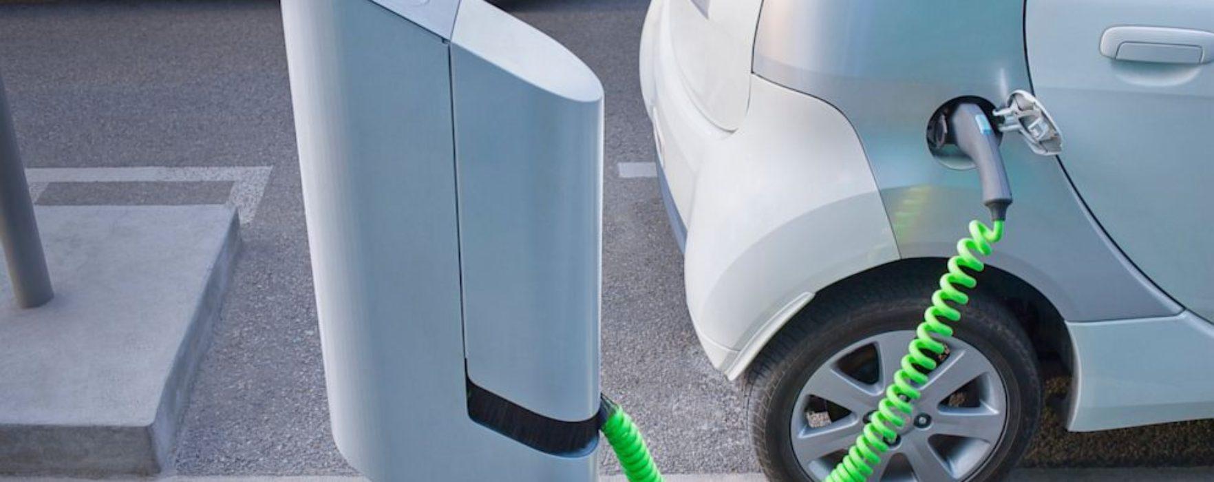 Târgovişte: Patru staţii de reîncărcare a autovehiculelor electrice vor fi construite cu fonduri guvernamentale